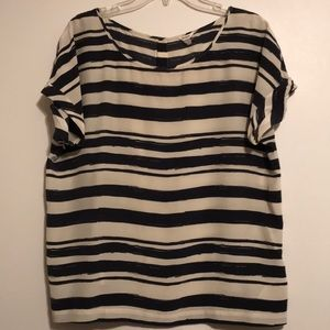 Fossil bottom down back short sleeve top